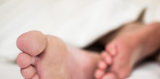 איך מונעים ריח רע מכפות הרגליים?